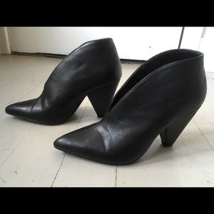 2for $30 Pointed faux leather booties 6.5